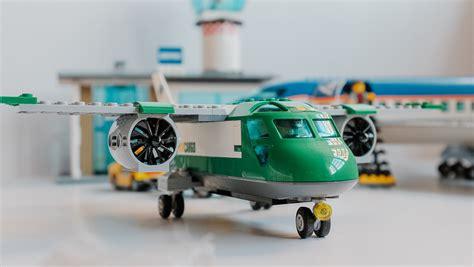 geek review lego city airport cargo plane  geek