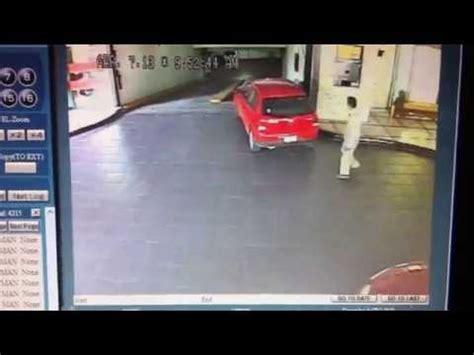 Valet Parking Lamborghini Fail by Top 5 Valet Fails To Make You Always Park Your Car Ebay