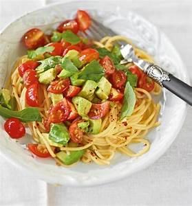 Schnelles Abendessen Für Gäste : avocado tomaten nudeln rezept essen und trinken ~ Markanthonyermac.com Haus und Dekorationen