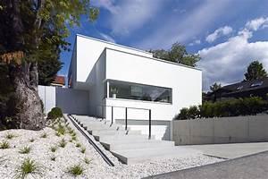 Haus Unter Straßenniveau : wohnhaus wolkenburg ddj architekten ~ Lizthompson.info Haus und Dekorationen