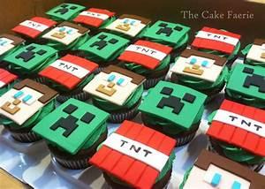 Minecraft Cupcakes - CakeCentral.com