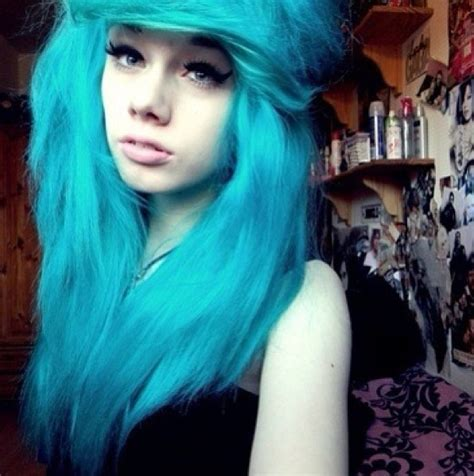 turquoise hair dye  stand    crowd