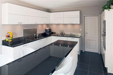 modele credence cuisine emejing cuisine blanc laque et gris pictures design