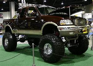 Ford F150 4x4 Jacked Up