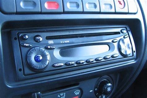 replace  car radio fuse   runs