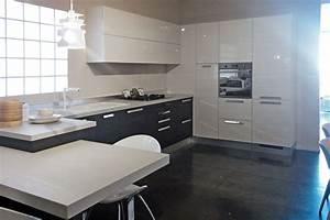 Lube cucine cucina alessia laminato lucido cucine a for Lube cucina alessia