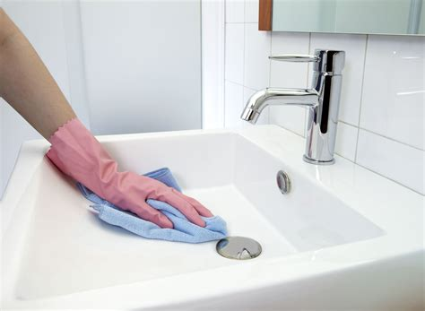 how to clean a stained sink how to remove rust stains from toilets tubs sinks