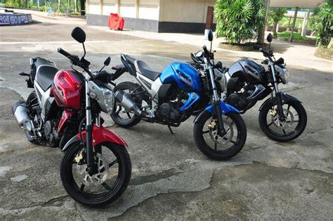 Byson 2010 Merah by Modifikasi Mobil Yamaha Byson Warna Biru Merah Hitam