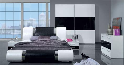 schwarz weiß schlafzimmer komplett schlafzimmer kansas hochglanz schwarz weiss