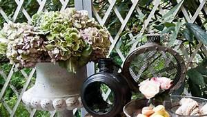 Abreuvoir A Oiseaux Pour Jardin : abreuvoir oiseaux un jardin en harmonie westwing ~ Melissatoandfro.com Idées de Décoration