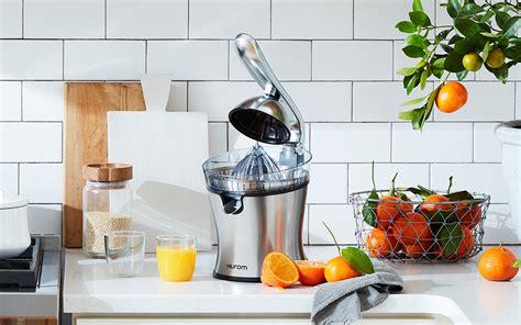 kitchen juicers juice juicer juicing flavorful fast choosing quantities kinds consider machine