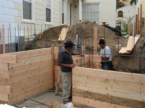 concrete forms for retaining walls concrete retaining wall forms lawn garden pinterest