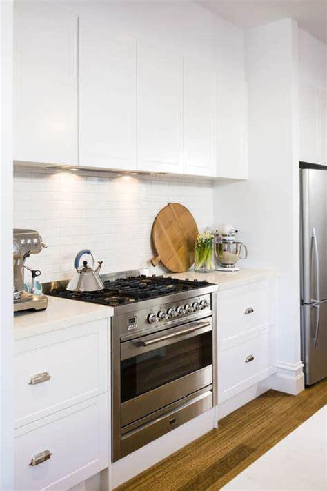 Classy Coastal Look With Hampton Style Kitchens