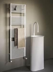 Heizkörper Für Badezimmer : heizk rper f r badezimmer in verschiedenen farben ~ Lizthompson.info Haus und Dekorationen