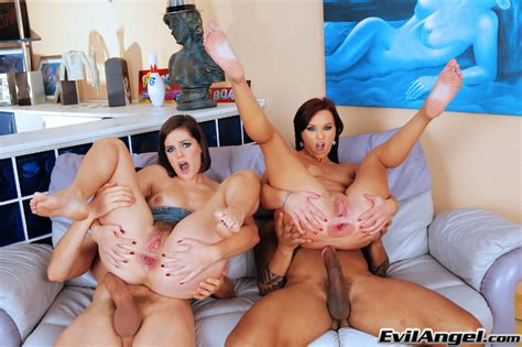 Seductive Milfs With Hot Butts Are Into Hardcore Anal Foursome
