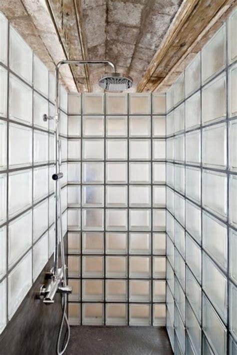 salle de bain pave de verre mettons des briques de verre dans la salle de bains archzine fr