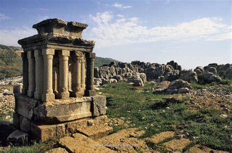 Adonis Temple Faqra - Lebanon Pictures - #Lebanon #Pictures