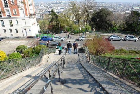 les escaliers de la butte montmartre