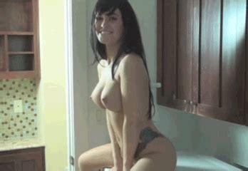 Bouncing Photo HD Porn Tube
