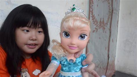 unboxing mainan anak elsa frozen bisa nyanyi youtube