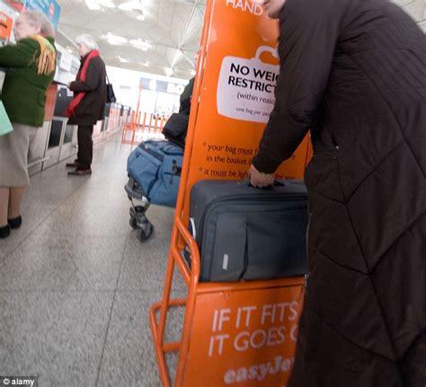 pack light easyjet squashes maximum cabin baggage