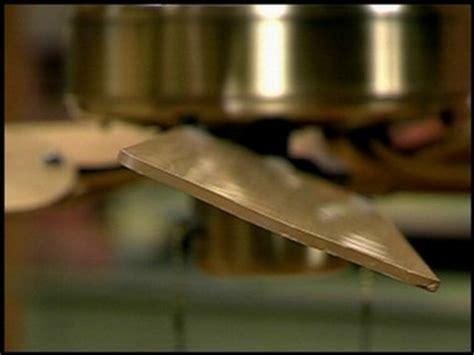 ceiling fan wobbles at low speed how do you balance a ceiling fan so it won t wobble
