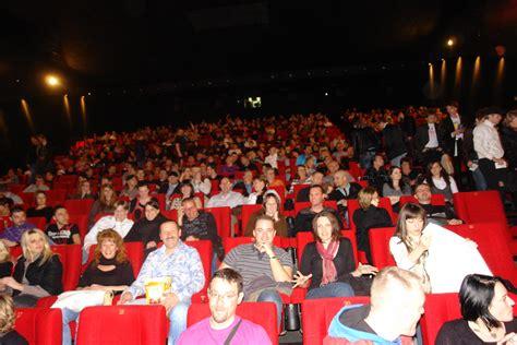dans les salles cinema mylene net le site r 233 f 233 rence sur myl 232 ne farmer