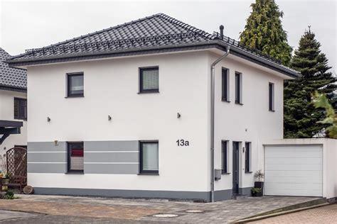 Fassadengestaltung Einfamilienhaus Bilder by Bildergalerie Fassadengestaltung