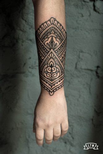 manu tatuador de ltw tattoo  piercing barcelona