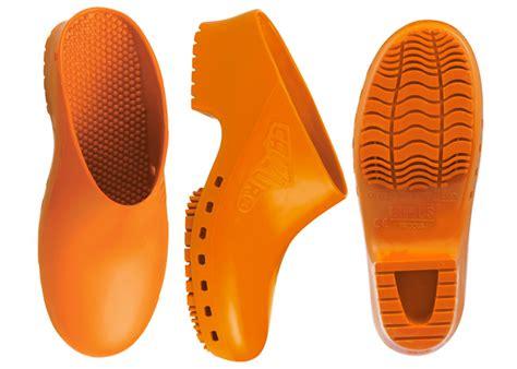 calzuro  shipping shoes  nurses chefs vets
