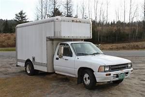 1989 Toyota Uhaul Truck