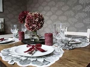 Deko Für Wohnzimmertisch : tischdeko f r weihnachten ~ Frokenaadalensverden.com Haus und Dekorationen