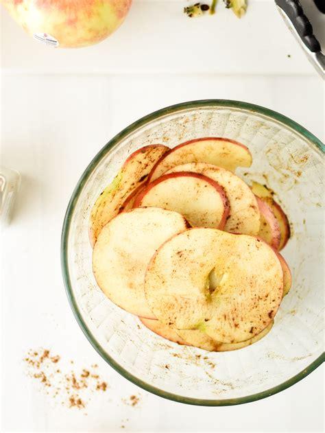 apple air fryer chips slices cinnamon