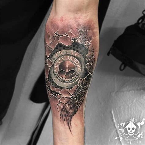 tatouage poignet homme moto
