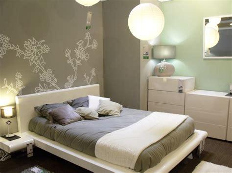 chambre à coucher simple decoration de chambre a coucher simple visuel 3