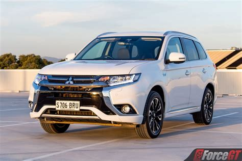 Mitsubishi Outlander Phev Review Forcegt