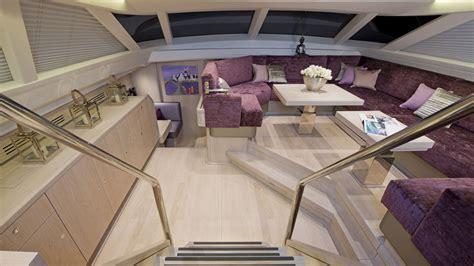 Yacht Innen by Sy Lush