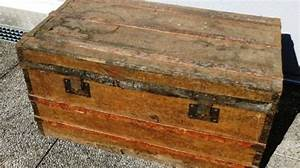 Malle En Bois : rnovation duune malle en bois with malle en bois maison du ~ Melissatoandfro.com Idées de Décoration