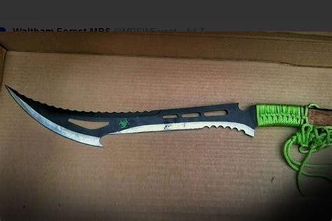 knife zombie killer knives london gangs crime warning huge hackney terrifying police standard symbols status