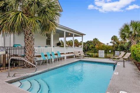 110 year old victorian, renovated in 2013. Surf Song Bed & Breakfast in Tybee Island   Surf Song Bed & Breakfast For Sale