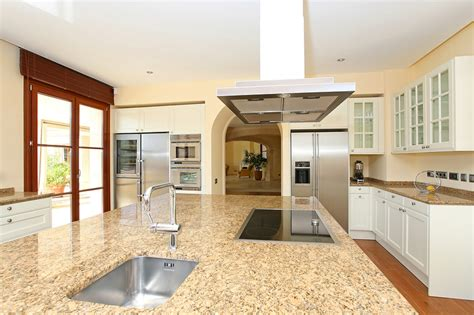 white granite countertops that look like marble for