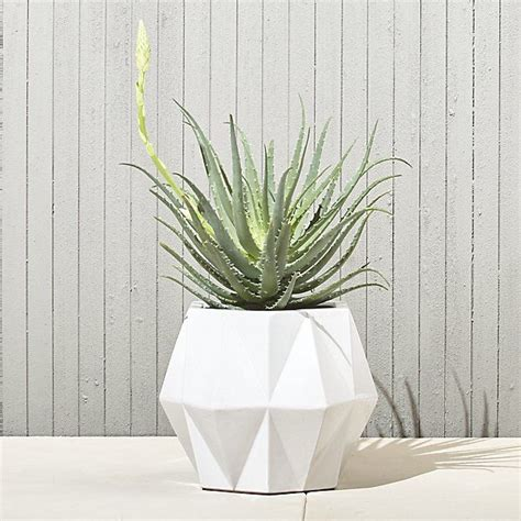 isla small white geometric planter cb geometric