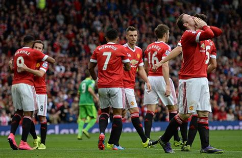 EPL: Manchester United Top Table, Tottenham Hotspur Down ...