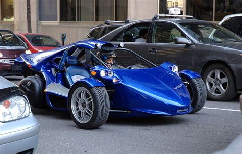 The Car That Is Two-thirds Motorcycle