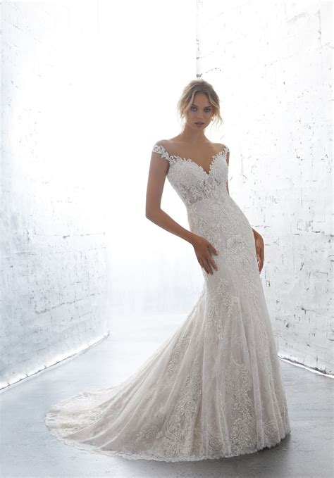 kiana wedding dress
