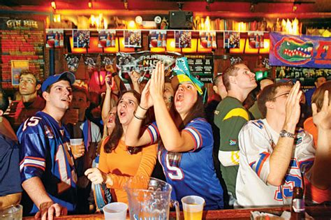 Because Nearly Every College Sports Team Has a Home Bar in ...