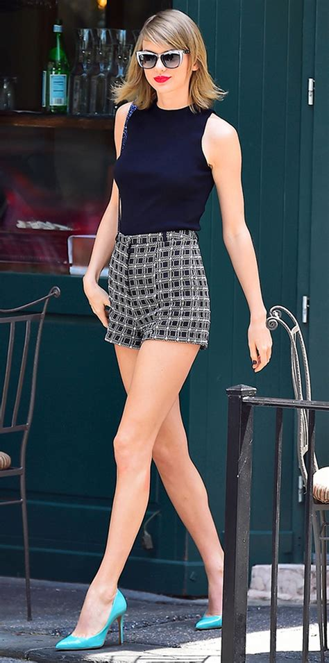 Taylor Swift's Most Epic Fashion Moments 04 • DressFitMe