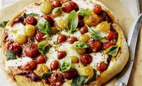Pizza Fatta In Casa Veloce by Pizza Fatta In Casa Morbidissima La Ricetta Facile E