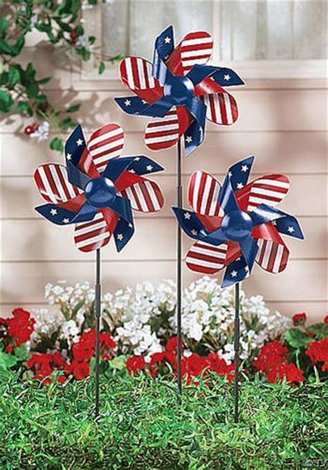 The Best Outdoor Decorations For July