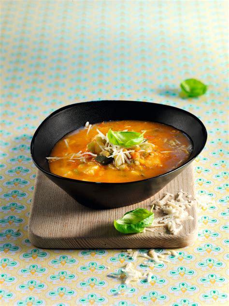 cuisine plus recette soupe minestrone de l 233 gumes et de p 226 tes